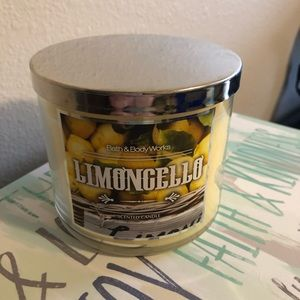 Bath and body works limoncello candle